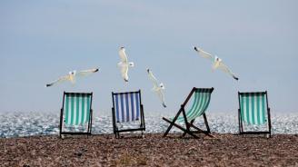 Последен ден концесионерите на плажовете  да кажат с колко ще намалят цените на чадърите