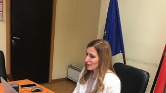 Подготвяме протоколи за подновяване на туристическите пътувания без карантина, обяви Ангелкова