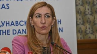 Николина Ангелкова: Няма как да има туризъм с карантина