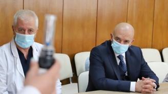 Ген. Мутафчийски прие ново дарение за ВМА от бизнесмена Петър Манджуков