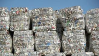 Откриха голямо количество заровен боклук с неясен произход