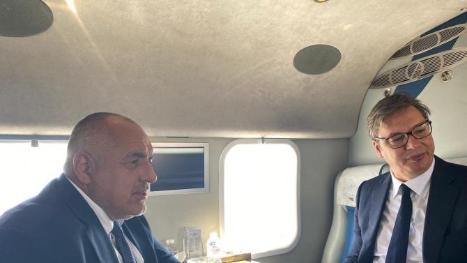 Борисов показа на Вучич колко бързо ще ходят българите на кръчма в Белград