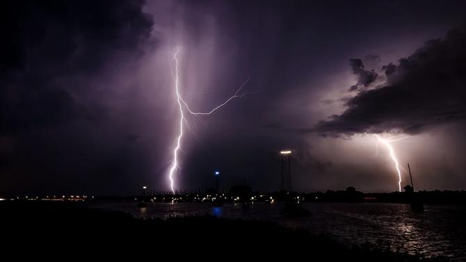Тропическата буря Аманда достигна Гватемала и Салвадор и отне живота на поне 14 души