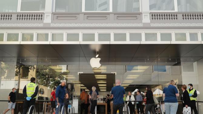 """""""Епъл"""" (Apple Inc.) затвори временно по-голямата част от своите магазини"""