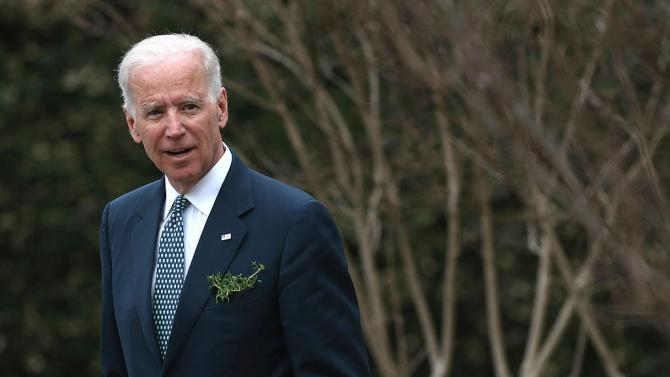 Претендентът за президентската номинация на Демократическата партия Джо Байдън порица