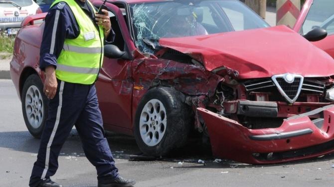 30-годишен асеновградчанин е настанен в болница, след претърпян пътен инцидент
