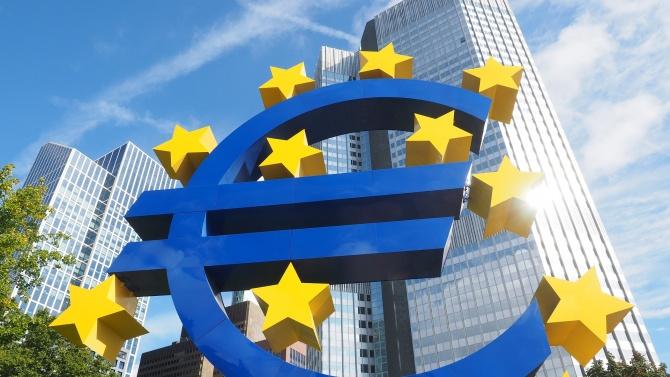 ЕЦБ грабна целия нов дълг на Италия, но само запази италианските облигации стабилни