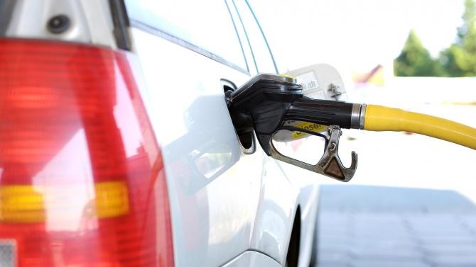 За първи път от март петролът тръгна нагоре. Цената на