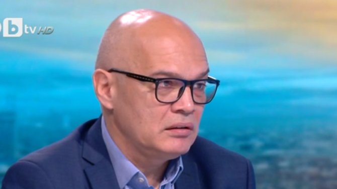 Тихомир Безлов: Действията на Божков не са случайни, да гледаме на тях със скептицизъм