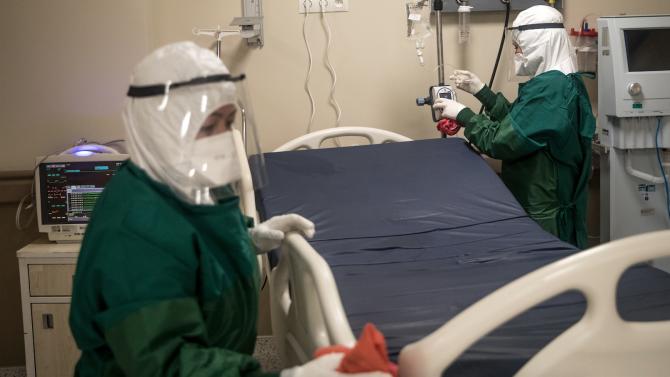 Рекорден брой хора, заразени с новия коронавирус, са починали в