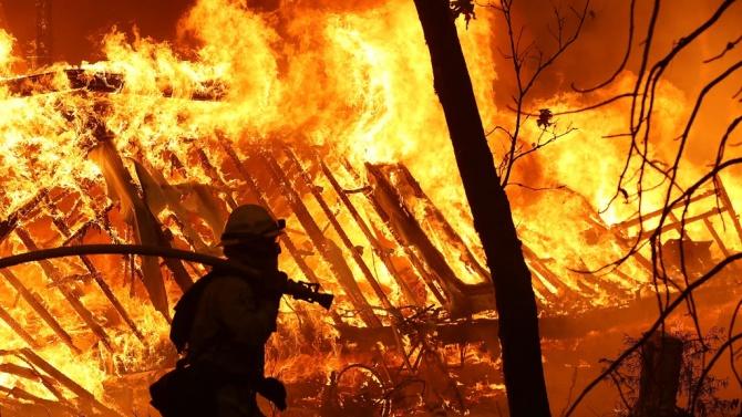 """Един пациент почина при пожар в болницата """"Боткин"""" в Санкт"""