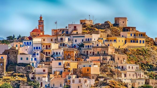 Само 20% от целогодишните хотели отвориха в Гърция, но и