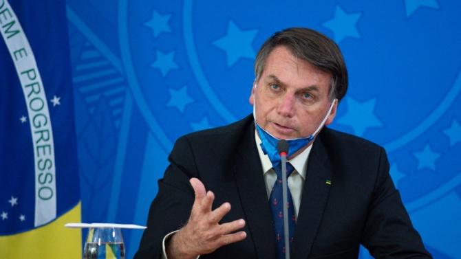 Бразилският президент Жаир Болсонаро назначи днес армейски генерал за здравен