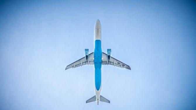 Китай смекчава ограниченията за чуждестранни авиокомпании