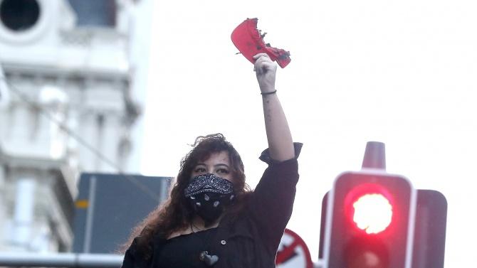 Новозеландци излязоха по улиците на няколко градове, за да засвидетелстват