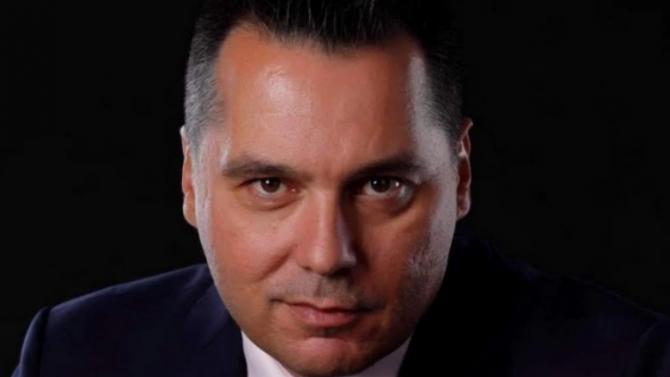 Борислав Велков за откритата сцена на НДК: Ценното ще бъде, че хората ще могат да общуват с артистите без маски