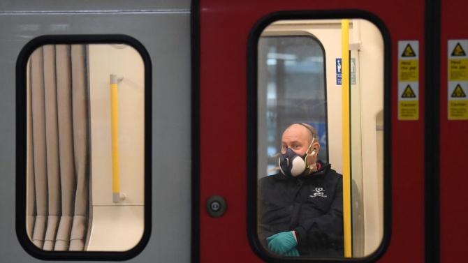 Британското правителство: В транспорта само с маски!
