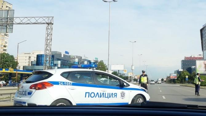"""Катастрофа предизвика задръстване на """"Цариградско шосе"""", предаде репортер на Novini.bg."""