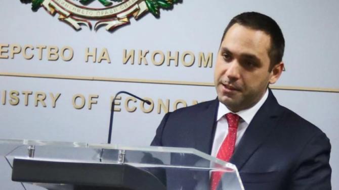 Караниколов разкри каква е основната цел на държавните бензиностанции