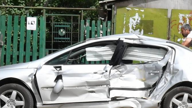 Две са пътните произшествия вчера в Кърджали. Това съобщиха от