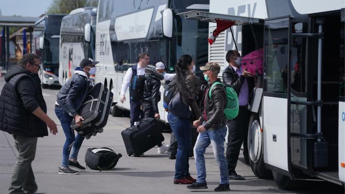 В Румъния разбиха група, отправяла бомбени заплахи срещу летището в Букурещ