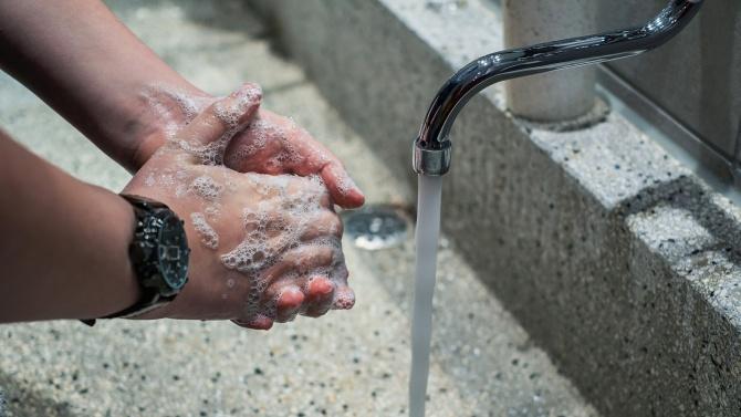 Над една трета от американците са използвали дезинфектанти и почистващи