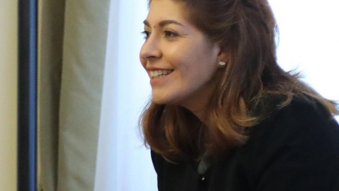 Севдалина Арнаудова попиля лъжите на Божков: Големите мъже не ги е страх от големи мъже, Али Баба. И не нападат жени. Явно нито сте голям, нито сте мъж!
