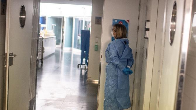 Около 200 болни от COVID-19 в Армения чакат да бъдат приети в болница