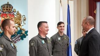Румен Радевсе срещна с българските пилоти, които първище се обучават в САЩ за изтребителите  F-16