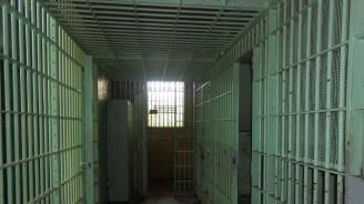 Оставиха в ареста софиянците, разследвани за големия обир на пари от офис в Плевен