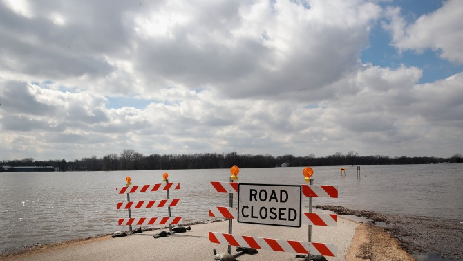 Тропическата буря Кристобал достигна бреговете на американския щат Луизиана в