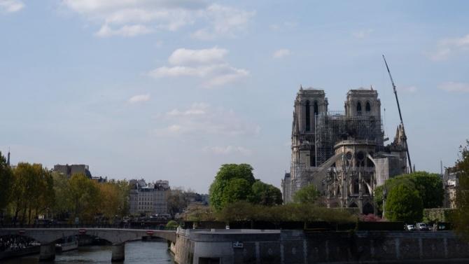 Започна демонтирането на скелето на парижката катедрала Нотр Дам