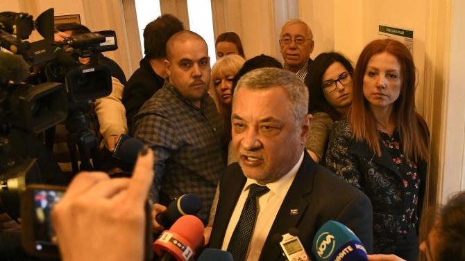 Валери Симеонов отново скочи на БТВ и заяви: Божков се държи като дете, за 18-те обвинения нищо не казва!