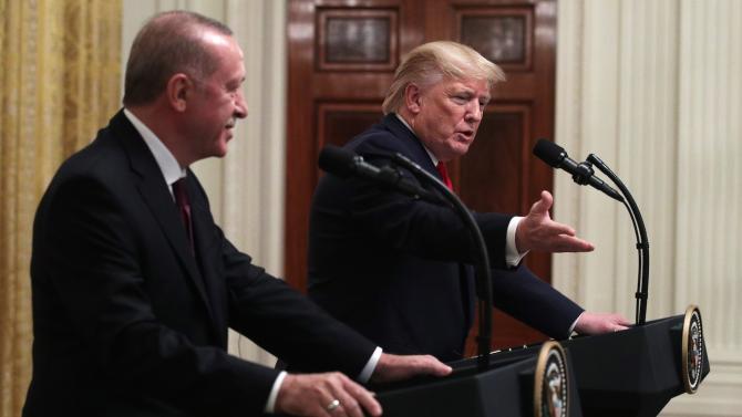 Тръмп и Ердоган обсъдиха в телефонен разговор ситуацията в Либия