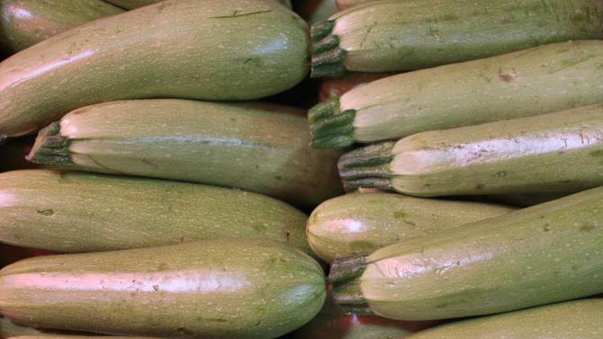БАБХ: 200 т плодове и зеленчуци с пестициди са спрени за два месеца