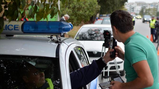 Шофьор на товарен автомобил е заловен да кара на метамфетамин