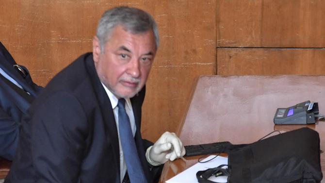 Бюджетната комисия отхвърли законопроекта за хазарта на Валери Симеонов
