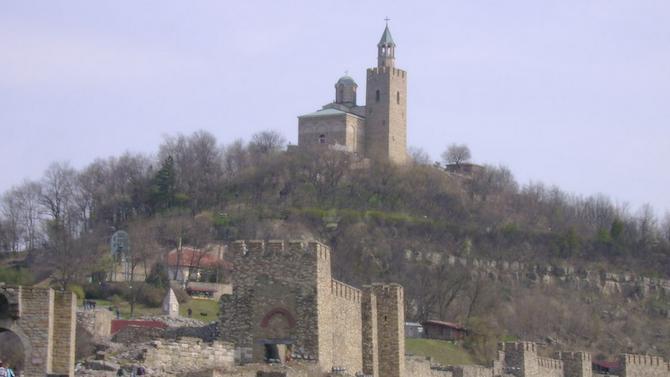 Велико Търново ще изпрати своите абитуриенти с царски ритуал на Царевец