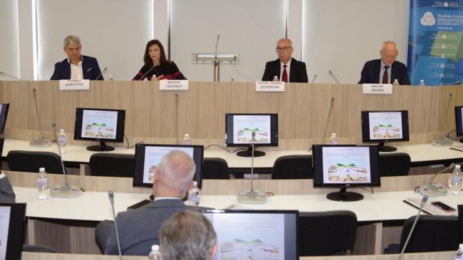 Членовете на ИСС обсъдиха Зелената сделка с еврокомисар Мария Габриел