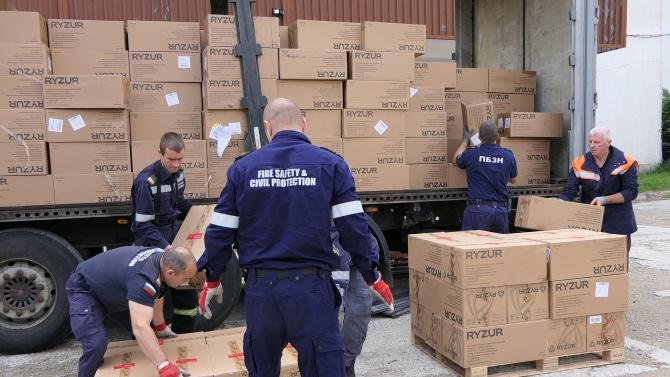 Транспортирането на пратката със закупени от страната ни медицински материали