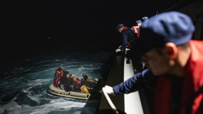 Марокански моряци спасиха 93 нелегални мигранти в Средиземно море