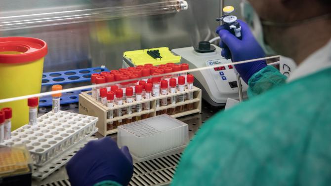 Чехия регистрира днес най-големия ръст на нови случаи на коронавируса