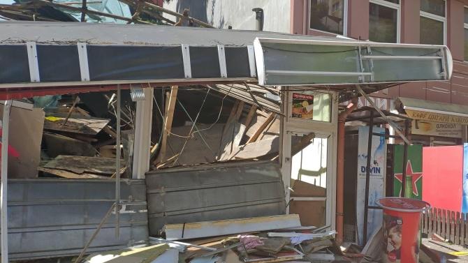 Взрив на газова бутилка разруши заведение за дюнери в София