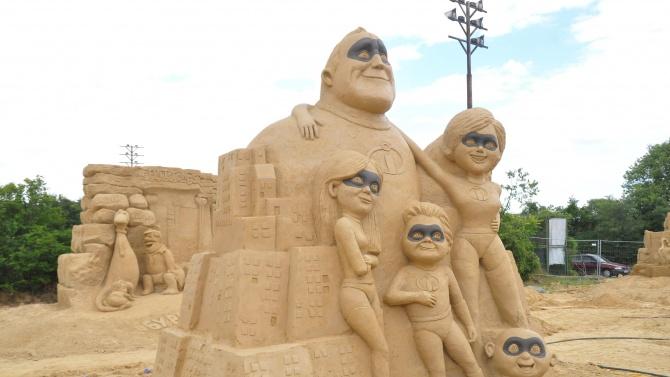 Двайнайсет творци ще изработят скулптури за пясъчния фестивал в Бургас