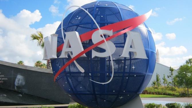 НАСА разработва програма за търговски суборбиталникосмически полети