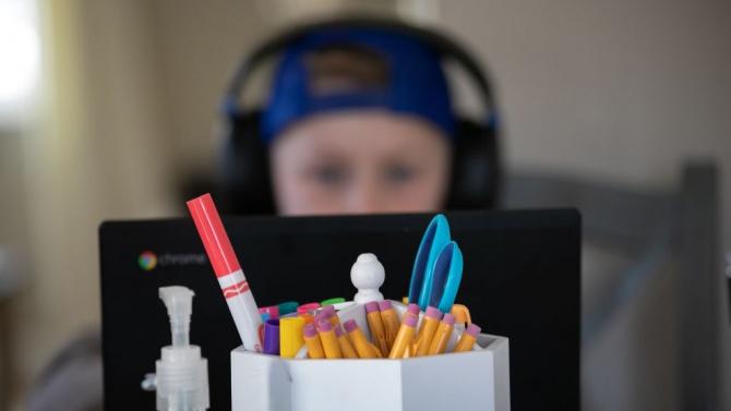 Спипаха 8-годишни за разпространение на порнографски видеа в интернет