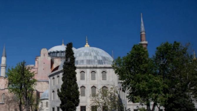 """Църквата-музей """"Св. София"""" в Истанбул е благодатна тема за турските"""