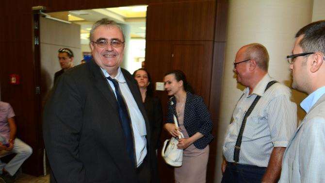 Коментар на Огнян Минчев, политолог, доктор на социологическите науки по