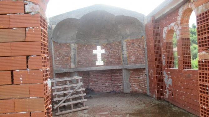 Строят храм на името на Свети Паисий Хилендарски в село Баничан