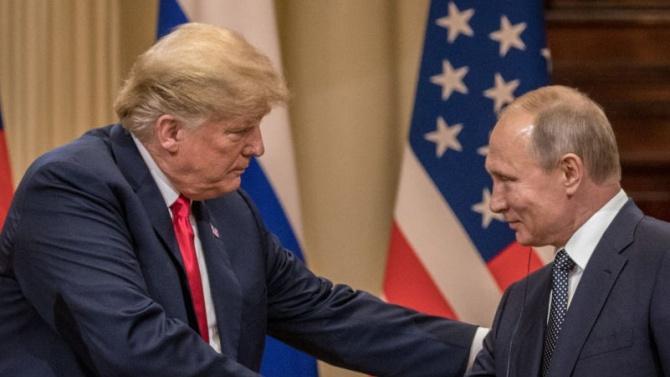Тръмп никога не е споделял мнението си за Путин, казва Джон Болтън в своята книга
